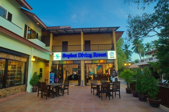Samui Diving Resort: Reception and Dive Shop