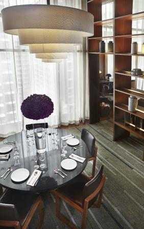 Hansar Bangkok Hotel: Hansar Bangkok Loft Suite Dining Area