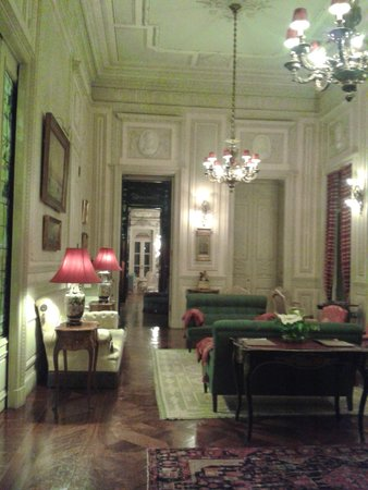 Pestana Palace Lisboa: One of the drawing rooms to relax in