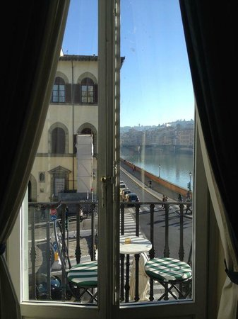 Residenza Vespucci: View from Blue/Corner Room