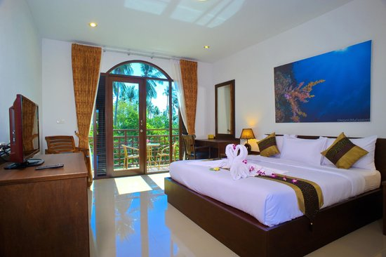 Samui Diving Resort: Double Deluxe with Balcony and Partial Sea View