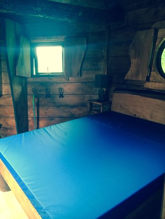 River Valley Holiday Park: Double room in the Tree House