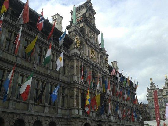 Grote Markt van Antwerpen: Municipio
