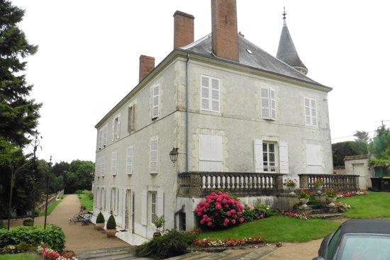 Chateau de Guignes : Le château