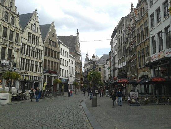 Grote Markt van Antwerpen: Verso la piazza
