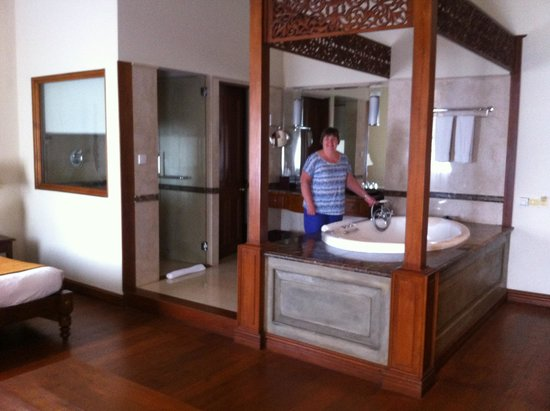 Galle Face Hotel Colombo : Jacuzzi bath