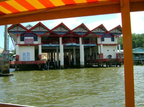 Kampong Ayer - Venice of East : Fire station at Kampong Ayer