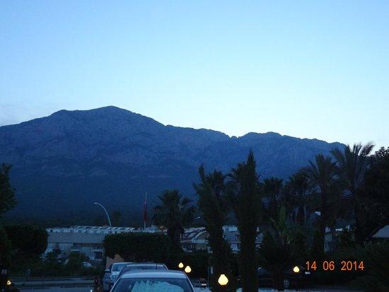 Amara Wing Resort Kemer : вечерняя панорама из отеля