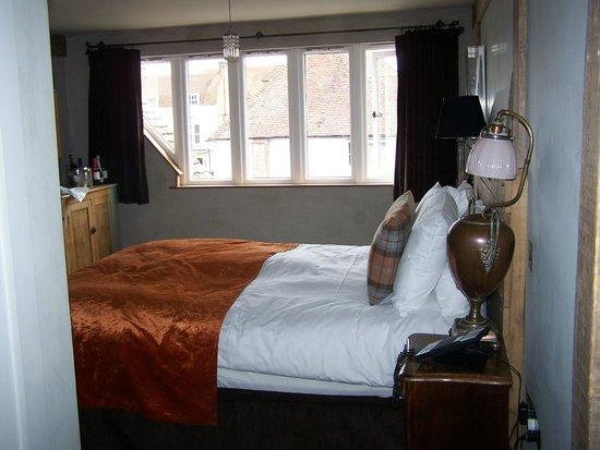 Bell Inn Ticehurst: Bed