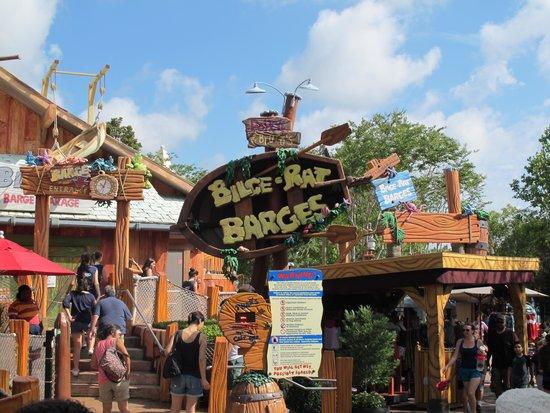 Universal Studios Florida: Bilge Rat barges - you will get wet, very wet