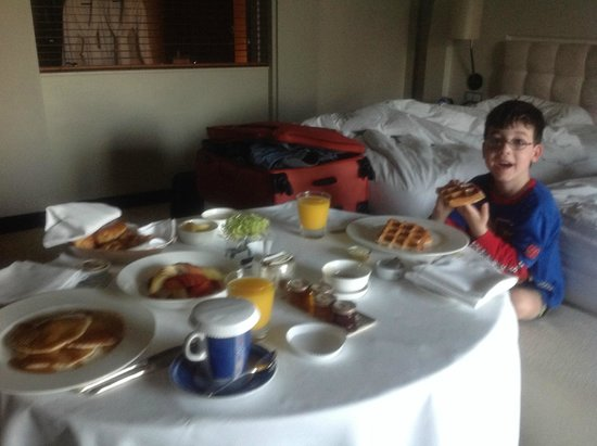 Park Hyatt Dubai: breakfast in room