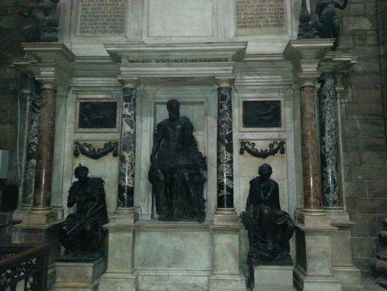 Piazza del Duomo: внутри храма