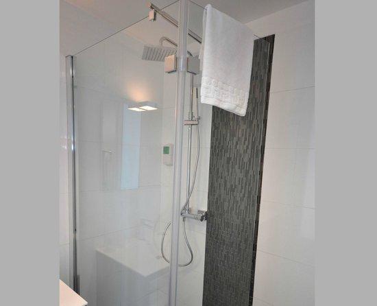 Qualys Hotel & Spa Vannes : Ciel de pluie
