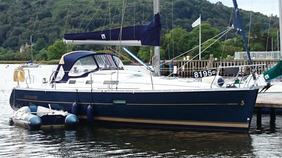Sail 'n' Dine: Maddie Too moored at YHA Ambleside