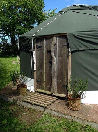 Beuvelande Camp Site: Yurts Outside