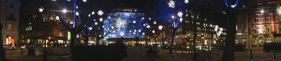Sloane Square: PETER JONES