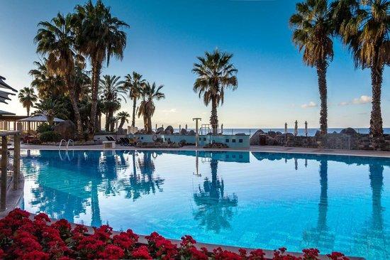 Royal Savoy Hotel : Swimming pool