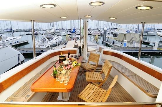 Malta Yacht Cruises: Dining Area