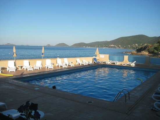 Hotel Stella di Mare : pool and sanguinaires island