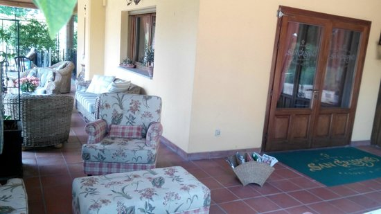 Garden Resort & Spa San Crispino: Porticato interno