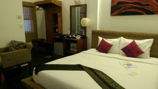 Monsoon Boutique Hotel: The room