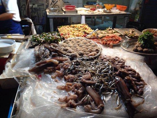 La Vucciria: Frittura di pesce fresco!!!