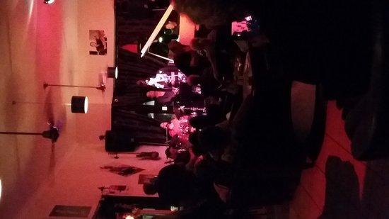 Bernie's Jazz and Piano Cafe: Inside Bernies