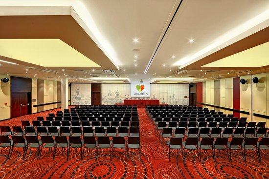 Hotel Duo: Congress Hall