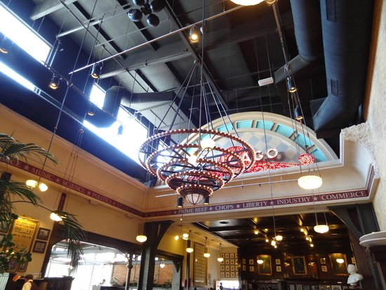 The Steakhouse : interior restaurante