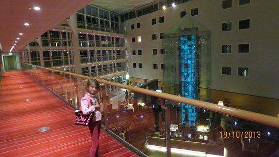 Radisson Blu Hotel London Stansted Airport: angels` wine tower
