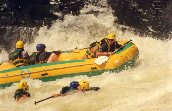 Gorges and Little Gorges Lodge: Zambesi river honeymoon rafting!!!
