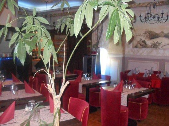 Le Marina B: salle de restaurant