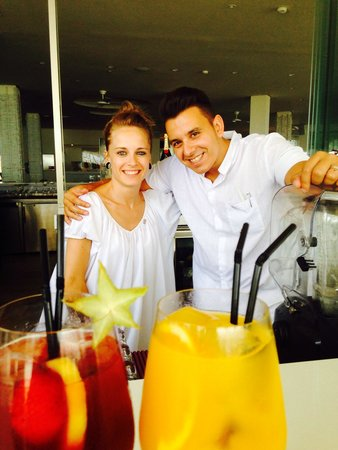 ME Mallorca : Alex & Carmen at the pool bar. Thank you for your excellent serviceu