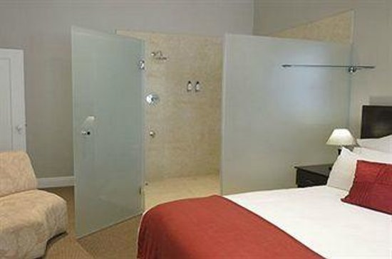 Enchanted Guest House : Room 2 Ensuit Bathroom
