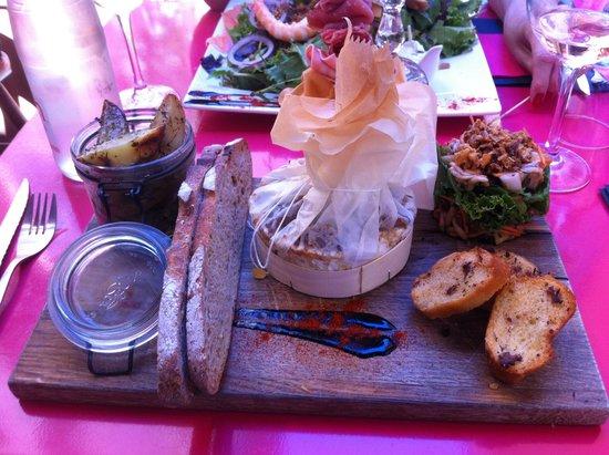 Bistrot Epice & Cafe : camembert rôti au fou