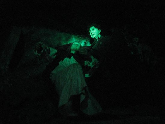 Dracula Experience: Surviving the peril...