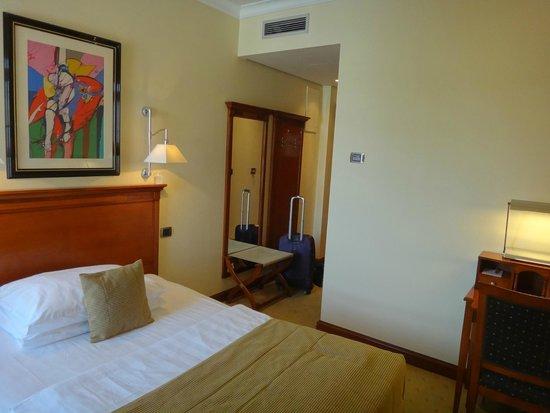 Best Western Premier Hotel Astoria: Entry way