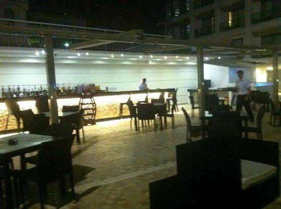 Club Hotel Falcon : terrace bar