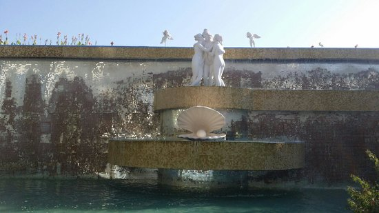 Crystal Sunrise Queen Luxury Resort & SPA: Fountain
