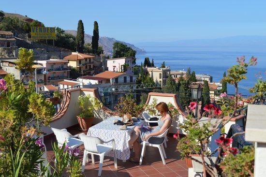 Hotel Condor: Rooftop terrace