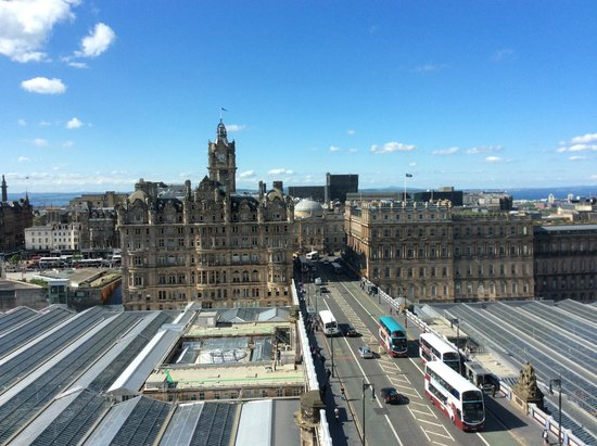 The Scotsman Hotel : view from 1 of the 4 windows