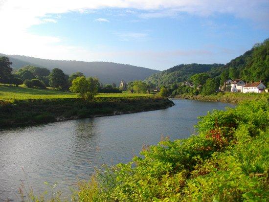 Tintern Old Rectory B&B: River Wye