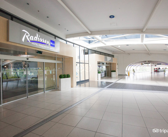 Entrance at the Radisson Blu Hotel, Manchester Airport