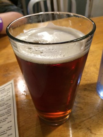 Moat Mountain Smokehouse : Brown ale smooth and with a light nutty finish.