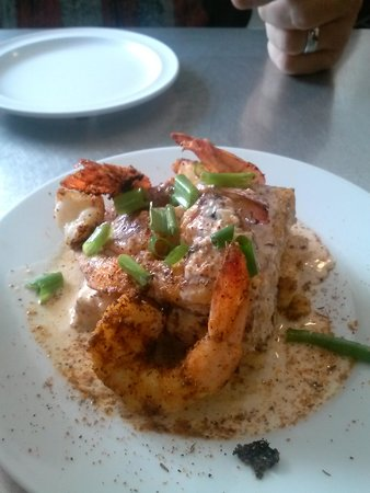 Catch 27: shrimp and grits appetizer!
