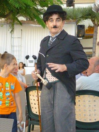 "H10 Conquistador: Animatie ""Charlie Chaplin"""