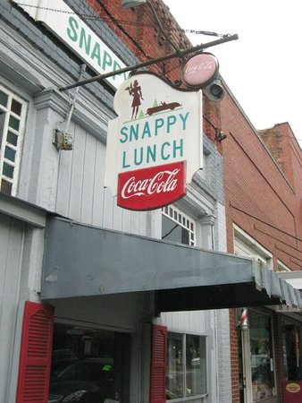 Snappy Lunch: store sign