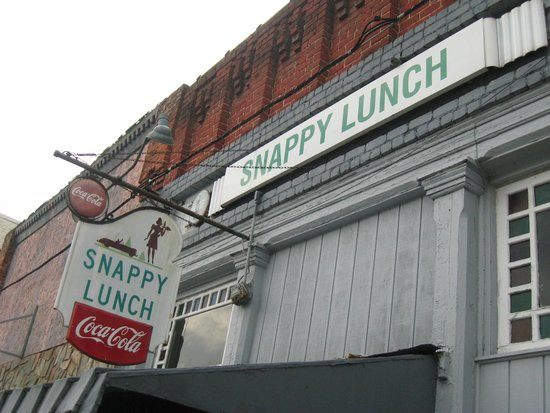 Snappy Lunch: storefront