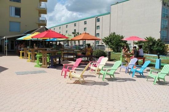 Fountain Beach Resort : The Oasis Tiki bar and Grill