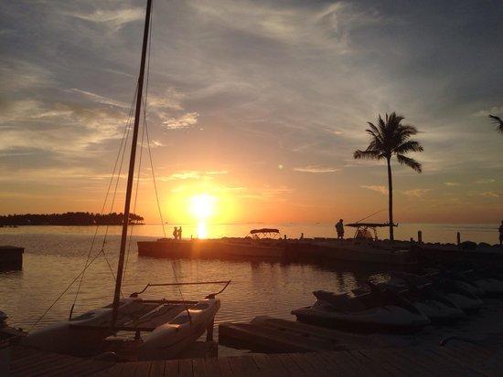 Tranquility Bay Beach House Resort: Beautiful sunset!